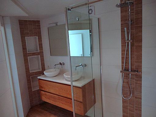 Badkamer Glaswand : Tijdens de werkzaamheden werd gebruikt gemaakt van ...
